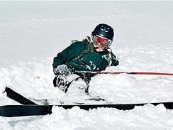 Pád na lyžích, ilustrační foto