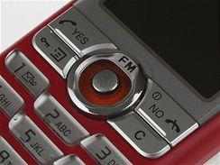 Sony Ericsson J220i a J230i