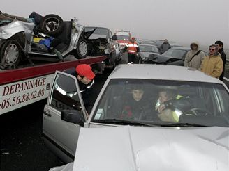 Hromadná nehoda ve Francii