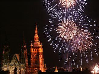 Novoroční ohňostroj v Praze na Letné