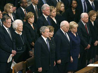 Někdejšího prezidenta přišli na poslední cestu vyprovodit i další šéfové Bílého domu