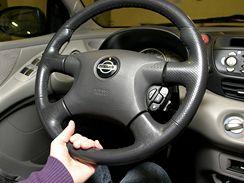 Jak sedět za volantem