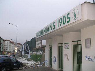 Zničená zeď stadionu Bohemians 1905