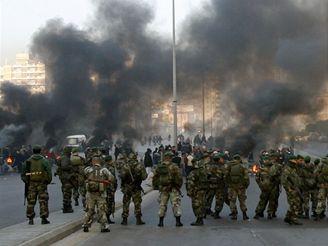 Libanonské vojsko zatím nemělo násilné střety s demonstranty.