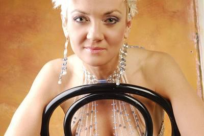 Hamrová nafotila kolekci �perk�, které vytvo�ila Julie Wimmer