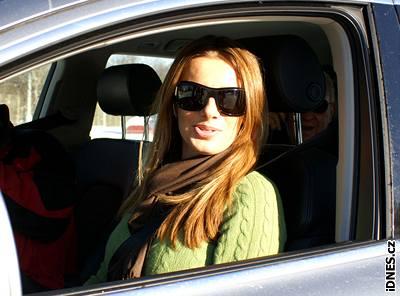 Alice Bendová za volantem Audi Q7