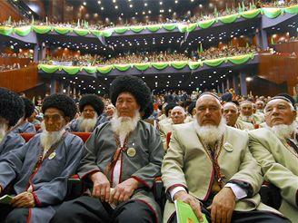 Členové turkmenské Lidové rady