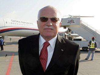 Prezident Klaus na letišti