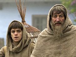 Z filmu Bathory - Cyril (Jiří Mádl) a Petr (Bolek Polívka)