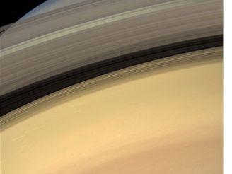 Pastelová planeta Saturn