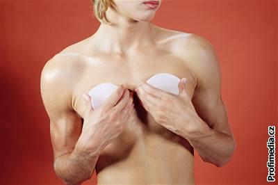 naprivat cz holčičí prsa