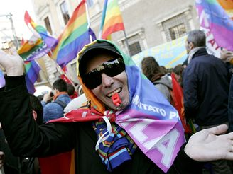 Desetitisíce lidí demonstrují v Římě (10.3.2007)