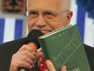 Václav Klaus - autogramiáda v Luxoru