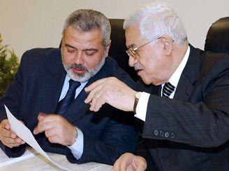Ismáíl Haníja a Mahmúd Abbás