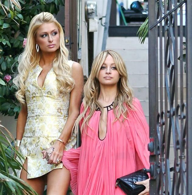 Paris Hiltonová a Nicole Richie jsou odbornice na životosprávu