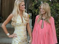 Paris Hiltonová a Nicole Richie budou ve třetí řadě své televizní show Simple Life vést kemp pro obézní