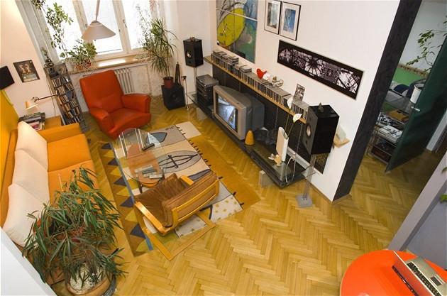 Na návštěvě ve zrekonstruovaném 2+1 v pražském činžovním domě v Praze