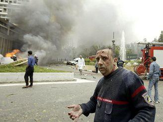Výbuch zabil v Alžíru nejméně devět lidí