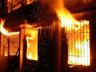 požár montované budovy ve Valašském Meziříčí
