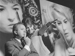 Kinoautomat - Miroslav Horn��ek a Zuzana Neubauerov�
