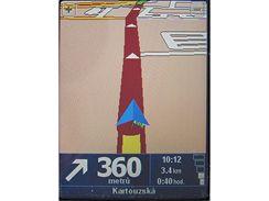 HTC P3300 - O2 Navigace vs. TomTom Navigator