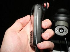 HTC Vox zboku