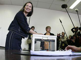 Ségolene Royalová hlasovala v Melle na jihozápadě země.