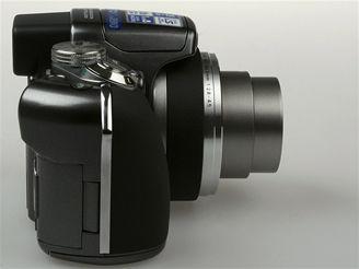 Olympus SP-550 UZ 15