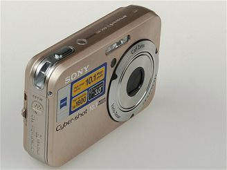 Sony N2 zepředu a prava