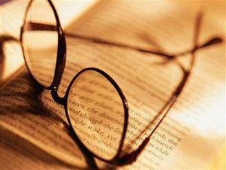 Zlepšení zraku prý nastane už za několik hodin po odložení brýlí.