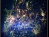 Záběry Velkého magellanova oblaku (LMC) z observatoře Spitzer