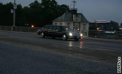 Bushova kolona v ulicích Prahy