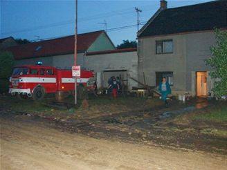 bahnem zatopené ulice v Bojanovicích na Kroměřížsku
