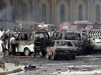 Výbuch v Bagdádu zabil desítky lidí a poničil mešitu