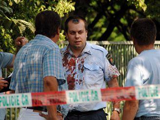 Zraněný strážník po útoku