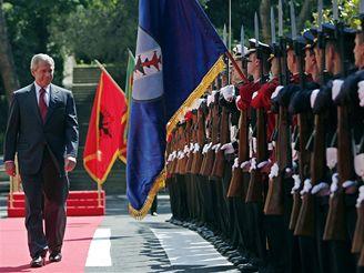 Návštěva George W. Bushe v Albánii