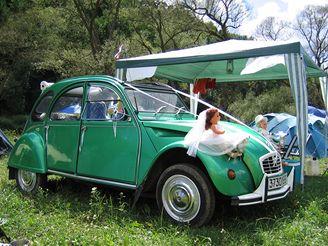 Citroën 2CV, svatební výzdoba