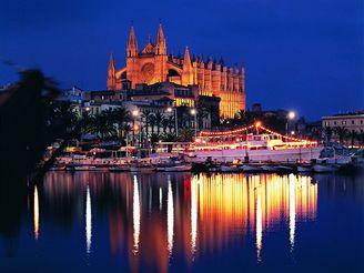 Metropole Palma de Mallorca a gotická katedrála světla – La Seu
