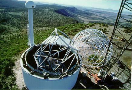 Dalekohled HET před dokončením v roce 1997