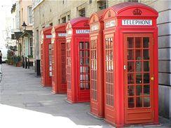 Pro Anglii tak typické červené telefonní budky