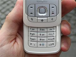 Nokia 6110 Navigator živě v ulicích Prahy