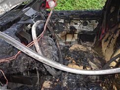 Zničený interiér vozu