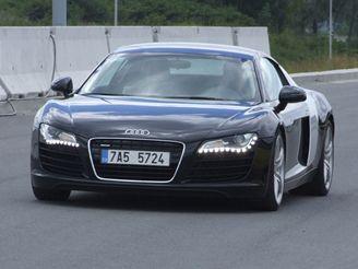 Audi R8 na dálnici D47