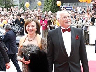 MFFKV - příjezd před zahájením - Václav Klaus s chotí