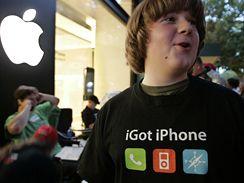 Patrick Scoble si pro iPhone vytvořil vlastní tričko (Palo Alto)