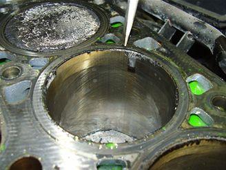 Zničený motor