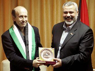 Alan Johnston s Ismáílem Haníjou z Hamasu