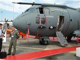 K prvním zákazníkům, kteří si koupili taktický transportní letoun C-27J, patří Litva