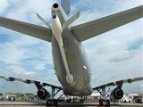 Ráhno pro doplňování paliva za letu na Airbusu A330 MRTT pro australské vojenské letectvo si velikostí nezadá s malým sportovním letadlem