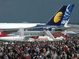 Boeing B777-300ER a ocas Airbusu A380